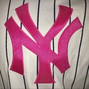 pretty nice 595ad 9fbe6 Majestic Shirts - NWT Majestic New York Yankees Breast Cancer Jersey